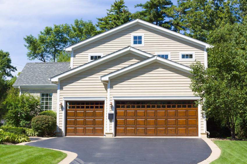 3 Tips for Buying Residential Garage Doors