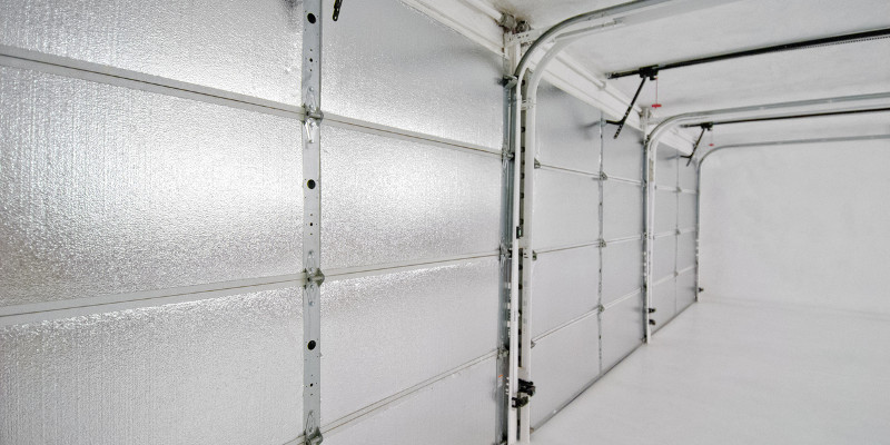 Keeping It Cool (or Warm) with Insulated Garage Doors