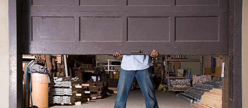 Choose the Right Garage Door Company with These Helpful Hints